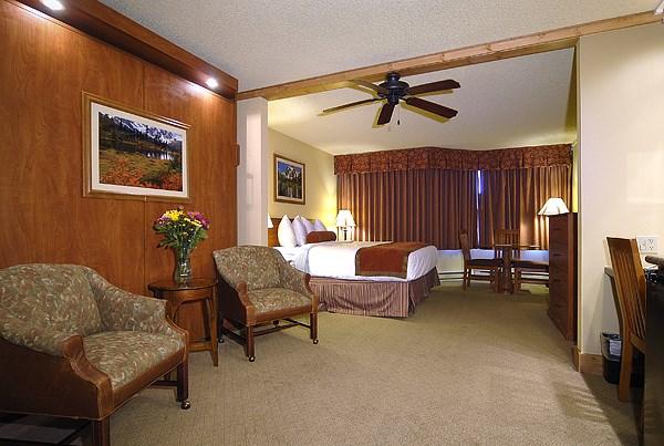 926_533_519 Emmons Studio_02 bedroom