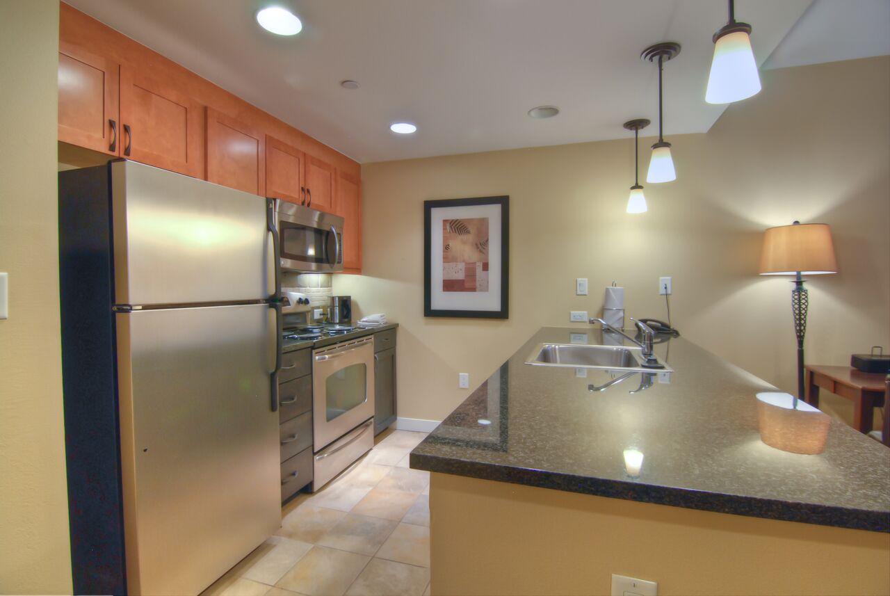 gold full kitchen 2
