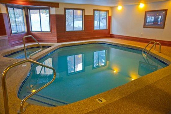 snowdance manor pool